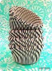 50 Black Striped Cupcake LinersVintage Inspired by HeyYoYo on Etsy